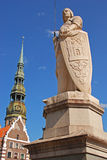 Statue of Roland in front of the House of the Blackheads in old town of Riga Royalty Free Stock Images