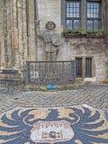 Statue Roland of Quedlinburg and municipal coat of arms stock photos