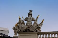 Statue romaine sur le palais de Hofburg à Vienne image libre de droits