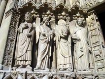 Statue sans tête de Notre Dame Photographie stock libre de droits