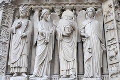 Statue sans tête de Notre Damme Photo stock