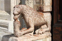 Statue in St. Rufino Cathedral of Assisi Royalty Free Stock Photos