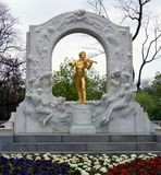 Statue of Strauss in Vienna Royalty Free Stock Photos