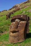 Statue su Isla de Pascua Rapa Nui Isola di pasqua Threesome Fotografie Stock Libere da Diritti
