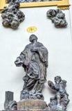 Statue sur la façade de Prague Loreto - monument historique baroque remarquable, Prague, République Tchèque images stock