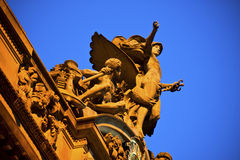 Statue sur le central grand Photo libre de droits