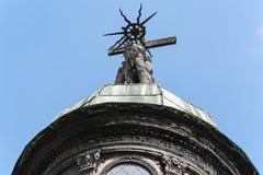 Statue sur le dôme de la chapelle de Boim à Lviv, Ukraine Image stock