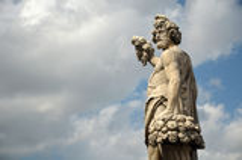 Statue sur le pont de Santa Trinita à Florence Image libre de droits
