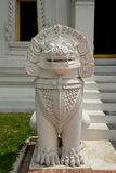 Statue thaïe de lion photos stock