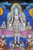 Statue thaïlandaise d'un dieu de littérature à décorer sur le wa bouddhiste d'église photos libres de droits