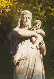 Statue of the Virgin Mary with the baby Jesus Christ Royalty Free Stock Images