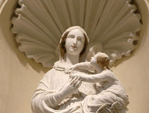 Statue of the virgin mary with the baby jesus Stock Photos