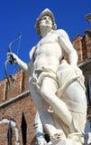 Statue von beschädigt ares Stockfotos