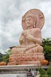 Statue von Buddha am Tha-Tonnentempel stockfotografie