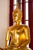 Statue von Buddha in Wat Phra Si Mahathat Lizenzfreie Stockfotos