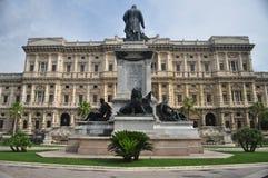 Statue von Camillo Cavour Stockfotos