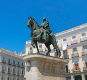 Statue von Carlos das Drittel in Puerta Del sol, Madrid lizenzfreie stockfotos