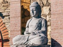 Statue von einem Buddha stockbild