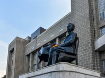 Statue von Feld-Marschall-Prinz Bhanurangsi savangwongse, der Prinz Banubandhu Vongsevoradej am großartigen Postbulding lizenzfreie stockfotografie
