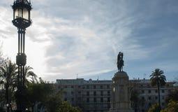 Statue von Fernando First im neuen Piazzade Sevilla Lizenzfreies Stockfoto