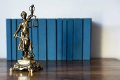 Statue von Gerechtigkeit, Gesetzeskonzept, Stockfotografie