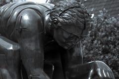 Statue von Isaac Newton, British Library stockfotos