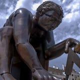 Statue von Isaac Newton, British Library lizenzfreie stockbilder