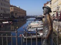 Statue von James Joyce, Verfasser, in Triest lizenzfreie stockbilder