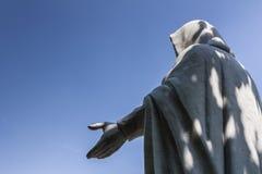 Statue von Jesus Segen gebend stockfotografie