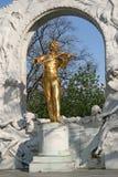 Statue von Johann Strauss in Wien Stadtpark Lizenzfreies Stockfoto