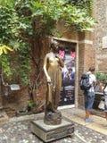 Statue von Juliet in Verona Lizenzfreie Stockbilder
