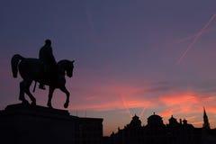 Statue von König Albert I bei Sonnenuntergang auf dem Pferd Lizenzfreies Stockfoto