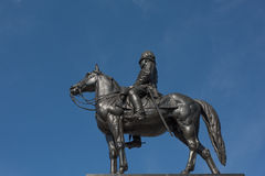 Statue von König von Thailand lizenzfreie stockbilder