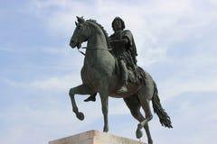 Statue von Louis XIV zu Pferd Stockbilder