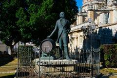 Statue von Manuel Maria Gonzalez Angel Estatua de Tio Pepe stockfotografie
