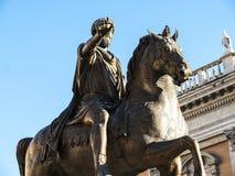 Statue von Marcus Aurelius im Marktplatz auf dem Capitoline-Hügel in Rom Italien Lizenzfreie Stockbilder