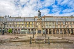Statue von Maria Pita auf Quadrat auf populärem Urlaubsort Maria Pitas unter Einheimischen und Touristen, ein Coruna, Spanien Lizenzfreie Stockfotografie