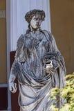 Statue von Musen auf der Terrasse am Achilleions-Palast auf der Insel von Korfu Griechenland errichtet von der Kaiserin Elizabeth Lizenzfreie Stockfotos