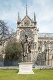 Statue von Papst John Paul II (Notre-Dame) Stockfotografie