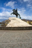 Statue von Peter der Große in St Petersburg, Russland lizenzfreie stockbilder