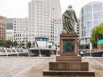 Statue von Robert Milligan West-Indien Quay, Docklands, Lon gegenüberstellend Lizenzfreie Stockfotografie