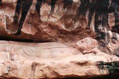 Statue von schlafendem Buddha lizenzfreies stockfoto