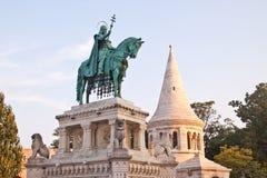Statue von St Stephen in Budapest stockfotos