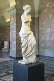 Statue von Venus de Milo (Aphrodite), Griechenland, Ca 150-125 BC am Louvre-Museum, Paris, Frankreich lizenzfreies stockfoto