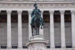 Statue vor dem Altar des Vaterlands Lizenzfreie Stockfotos