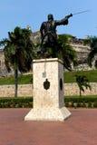 Statue vor dem Schloss von Cartagena stockfotografie