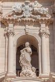 Statue vor der Kathedrale von Syrakus, Sizilien Lizenzfreie Stockfotos