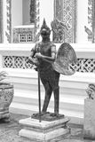 Statue in Wat Phra Kaew. lizenzfreie stockbilder