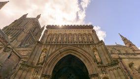 Statuen auf Nordportal von Worcester-Kathedrale lizenzfreie stockfotografie