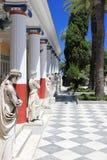 Statuen in der Achilleions-Terrasse Gastouri eine Korfu-Insel, Griechenland Lizenzfreie Stockfotos